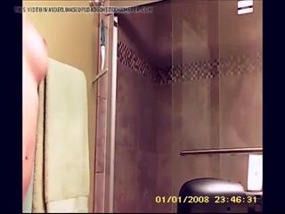 Отец ебет дочь и кончает ей прямо на лицо  онлайн